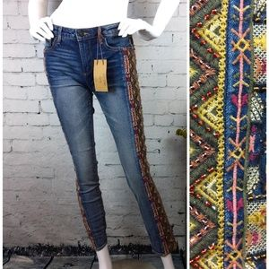 NWT Driftwood Jackie jeans w/ beaded embroidery